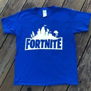 Fortnite boys M NWOT blue & white logo tee